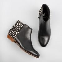 Flat Boots : La Sauvageonne - Black & Coccinelle De Nuit