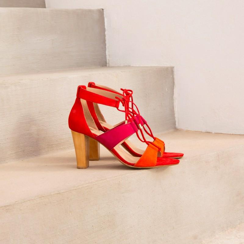 Sandales à Talon : L'Olympienne - Nuances De Rouge