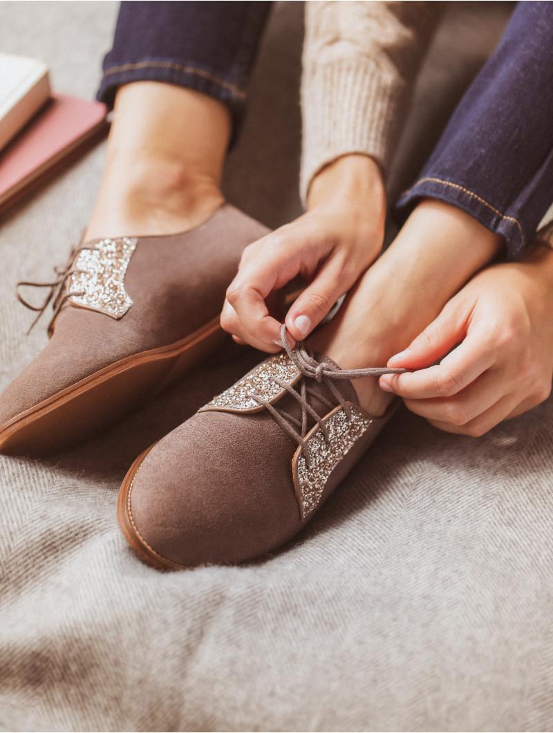 La Romancière - Brownish Grey