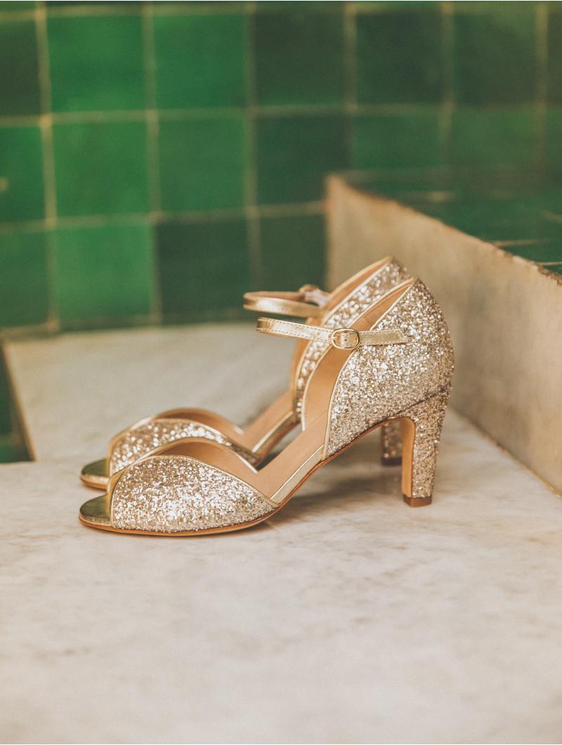 sandales talon moyen en paillettes dorés